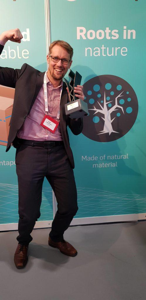Lemtapes receiving the sustainability award at FEFCO in 2019.